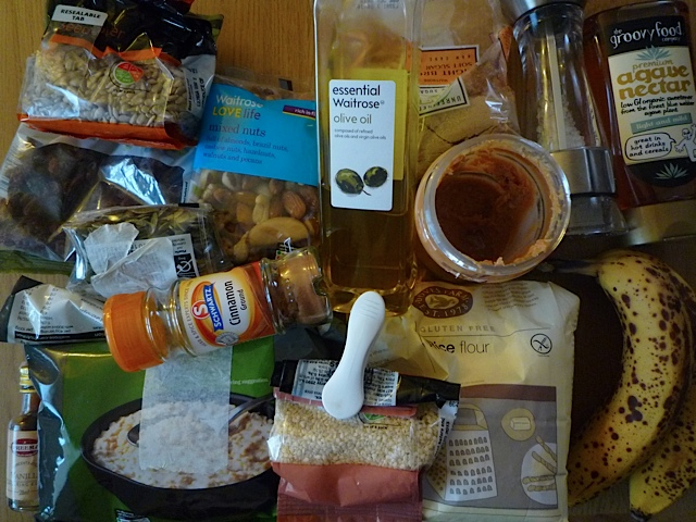 The ingredients for the cereal bars.