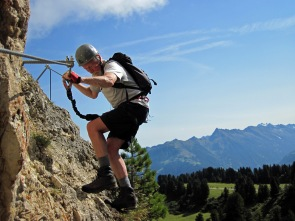 John traversing on the Klettersteig Knorren.