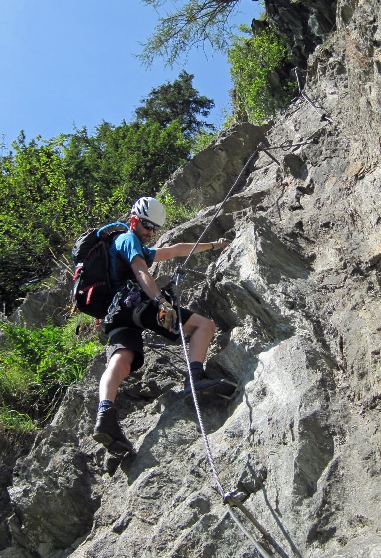 Me climbing the Klettersteig Pfeilspitzwand using the Mammut Tec Step Bionic Turn 2.