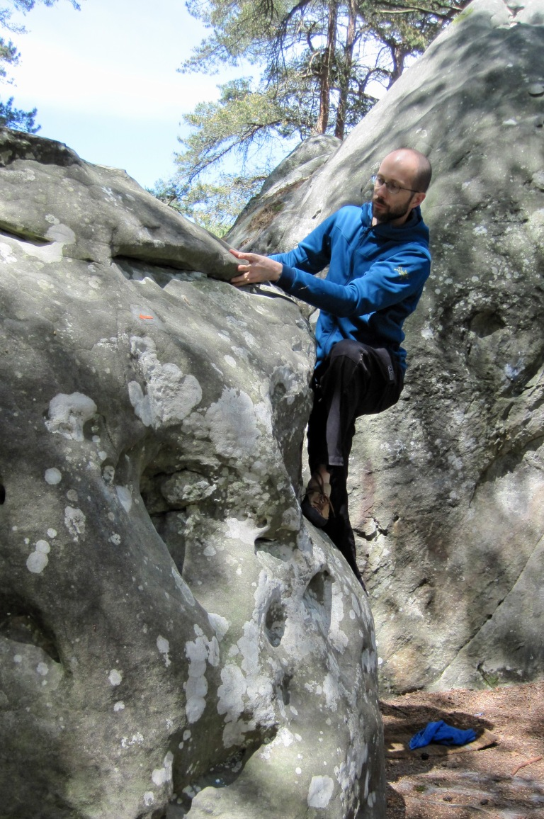 Bouldering at Fontainebleau in the Straibo Hoody