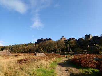The Roaches lower tier on a brilliant, sunny day.